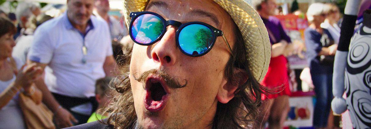 Clown Mimo Performer Eventi Artista di Strada Merano Nuovo sito internet di Jordi.
